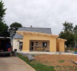 Création d'une maison à ossature bois et fabrication et pose de la charpente bois sur LES FOUGERETS